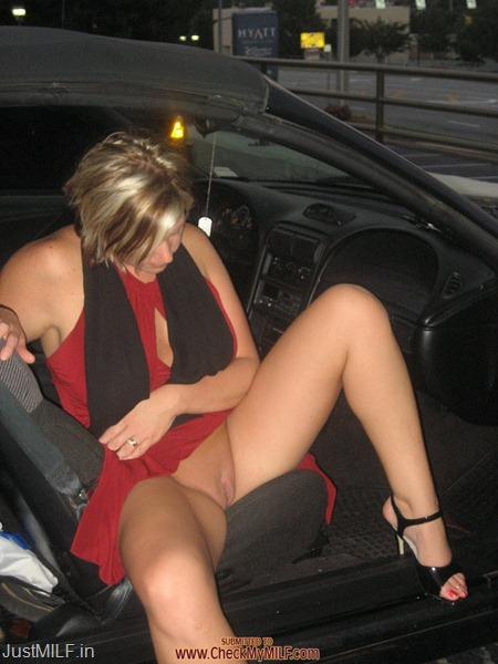 milf-flashing-pussy-getting-out-of-car